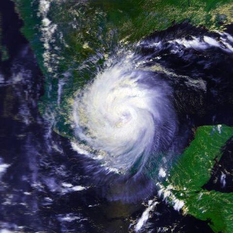 File:Hurricane Diana 07 aug 1990 2004Z.jpg