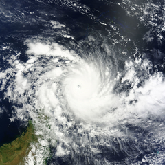 Fantala near peak intensity on April 18, 2016