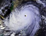 Typhoon Nina 25 nov 1987 0702Z.jpg