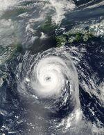 Typhoon Sinlaku 04 sept 2002 0440.jpg