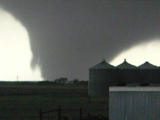 File:June 16, 2010 Dupree, South Dakota tornado.JPG