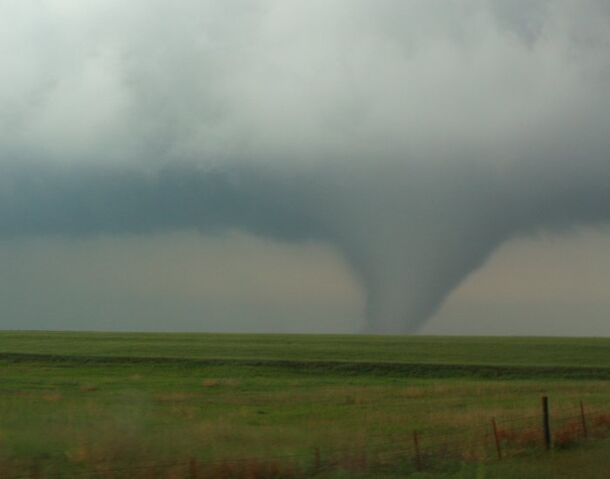 File:Tornado in Kansas on May 10, 2010.jpg