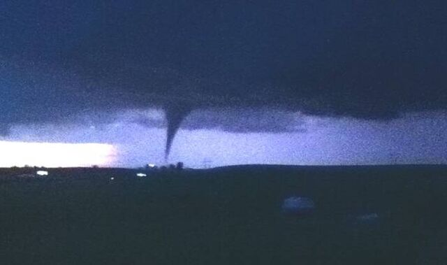 File:May 21, 2011 Reading, Kansas tornado.jpg