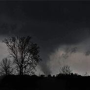 255px-Tornado in Mississippi, 2015