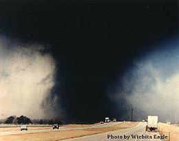 March 1990 Hesston Kansas tornado.jpg