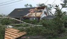 Tornado Damage 83