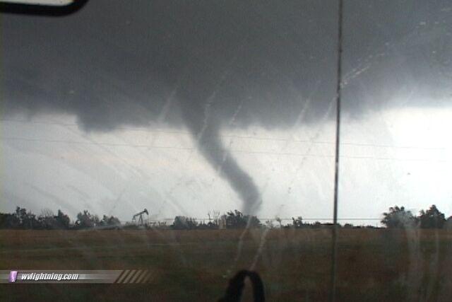 File:Tornado 68.jpg