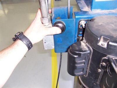 LiftRampLowerVechicle02