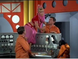 IDOJ episode 3x1 - Fly Me To The Moon