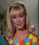 162px-Barbara-Eden-as-Jeannie-i-dream-of-jeannie-5267496-477-546
