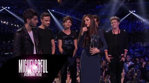 One Direction - Presents Best Pop Video Selena Gomez MTV VMAs 2013-0