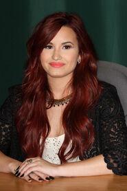Demi Lovato-AES-054509