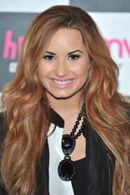 Demi-lovato-with-red-hair