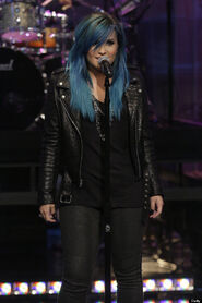 O-DEMI-LOVATO-BLUE-HAIR-570