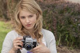 Dianna Agron (Sarah)