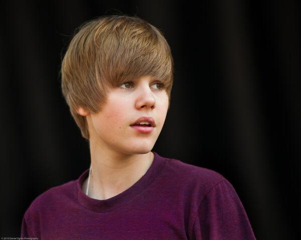 File:Justin Bieber 2010.jpg