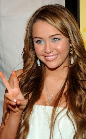 File:Miley cyrus 2009.jpg