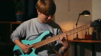 Ibanez EHB1005MS Headless Bass featuring ichika
