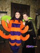 Halloween-costumes-carly-and-freddie-2832038-334-445