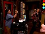 ICarly.S01E01.iPilot.HR.DVDRiP.XviD-LaR.avi 001183791