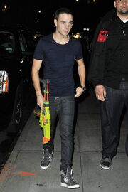 Directionlicious liam and louis out and about2