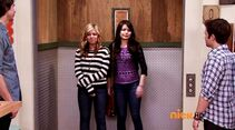 ICarly.S07E07.iGoodbye.480p.HDTV.x264 -Finale Episode-.mp4 002491778-004