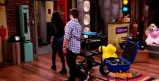 ICarly.S07E07.iGoodbye.480p.HDTV.x264 -Finale Episode-.mp4 002375913-063