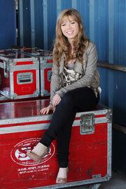 Jennette sitting 2011