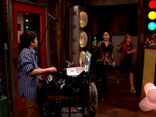 ICarly.S01E01.iPilot.HR.DVDRiP.XviD-LaR.avi 001183125