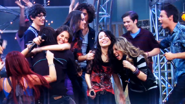 Archivo:Victorious-icarly.jpg