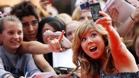 Jennette McCurdy Discusses the End of 'iCarly' and Michelle Obama's Appearance on the Show