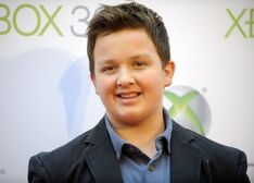 Actor-noah-munck-attends-the-premiere-project-natal-for-xbox-360-los-angeles