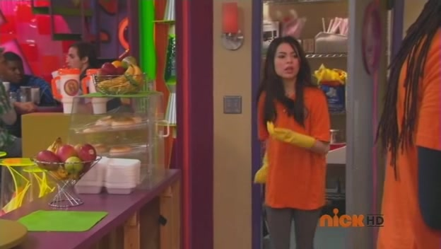 File:ICarly S04E01-iGot a Hot Room.HDTV-(025263)15-10-40-.jpg