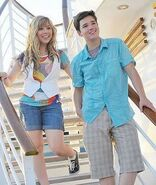 Jen and Nathan on NICK cruise 24000 1298230054243 1185141672 30810980 326956 n