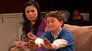 Icarly-inevel-tapenade-to-the-face