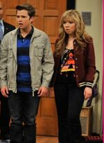 Michelle-Obama-In-iCarly-FIRST-LOOKseddie2