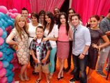 Victoria-Justice-premiere-for-iParty-with-Victorious-02