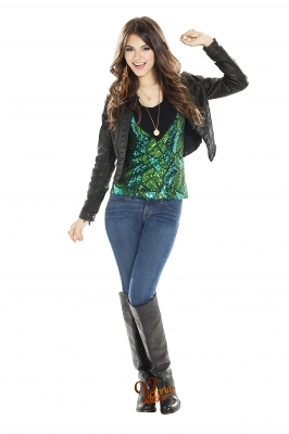 Victorious Cast Shoot Victoria Justice 26142344 266 400