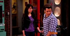 ICarly.S07E07.iGoodbye.480p.HDTV.x264 -Finale Episode-.mp4 002352306-027
