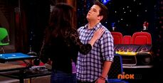 ICarly.S07E07.iGoodbye.480p.HDTV.x264 -Finale Episode-.mp4 002366403-048
