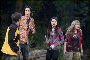 IBelieve-in-Bigfoot-icarly-18433740-1222-815