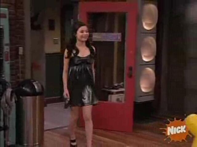 File:ICarly-209 Wade Collins Music Video.JPG