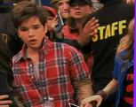 Sam and freddie in iStart a Fan War