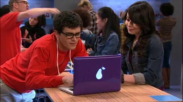 "ICarly ""iPear Store"""