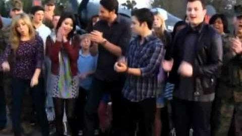 ICarly cast thanks the military and their families