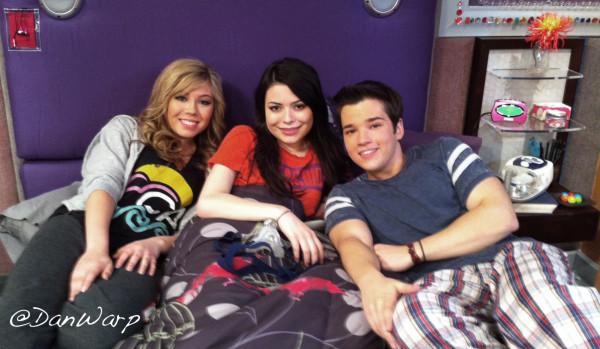Archivo:Team iCarly, Jennette-Miranda-Nathan 292106545 from Dan, 05-06-11.jpg
