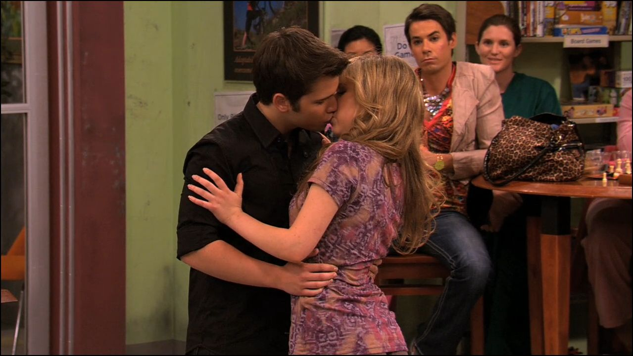 Is sam and freddie from icarly hookup in real life