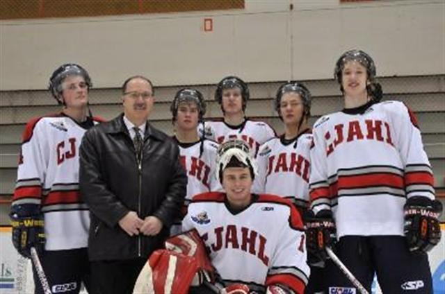Commissioner Davis with MJHL prospects