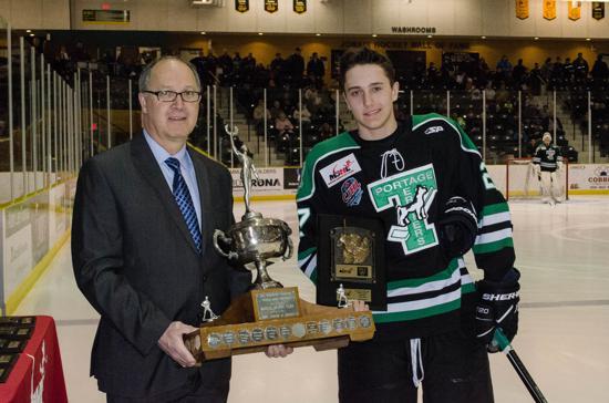 File:Nick Henry receives Vince Leah Memorial Trophy.jpg