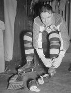 Mel Hill dressing 1939